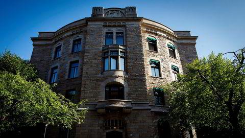 Finansdepartementets undersøkelse står trygt: Nbim har tjent på forvaltningen. Det er ikke villedning, skriver Kjetil Storesletten og Steinar Juel.