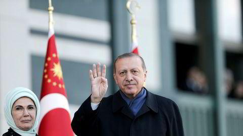 Tyrkias president Recep Tayyip Erdogan, her fotografert sammen med sin kone Emine i april i år.