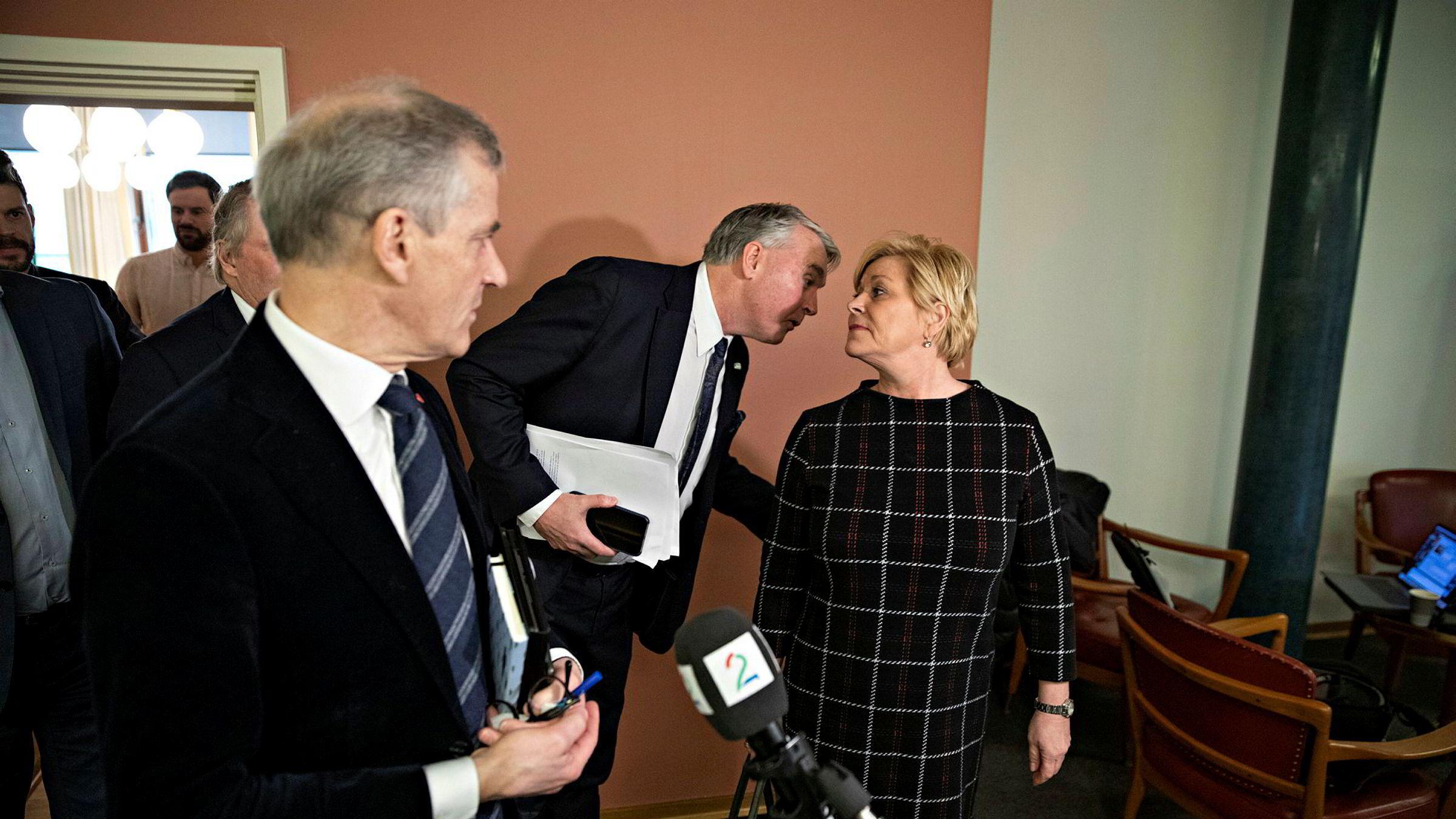Ap-leder Jonas Gahr Støre og lederne for de øvrige opposisjonspartiene ble advart om at Nav kunne bryte sammen dersom politikerne innførte mange endringer i regelverket under koronakrisen.