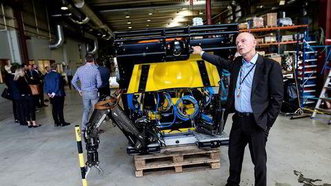 Ståle Kyllingstad i IKM-gruppen har investert 600 millioner kroner i subsea. Denne elektriske rov-en skal ha sin egen garasje på havbunnen.