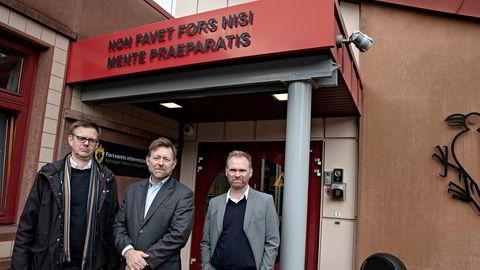 Lars Haugom (fra venstre), gjesteforsker ved Institutt for forsvarsstudier med 15 års bakgrunn i Etterretningstjenesten, Brigt Harr Vaage, sjef for Etterretningstjenestens vurderingsavdeling, og Stig Stenslie, professor ved Senter for etterretningsstudier ved Forsvarets etterretningshøgskole.