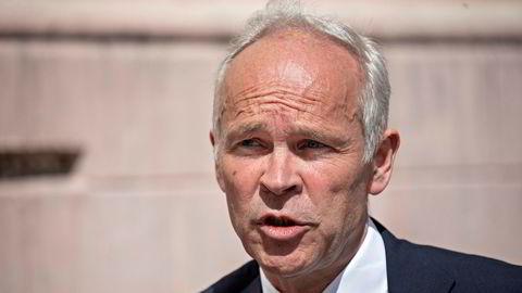 Finansminister Jan Tore Sanner har øst ut penger under koronakrisen. Fremover må politikerne finne andre måter å hjelpe næringslivet på.