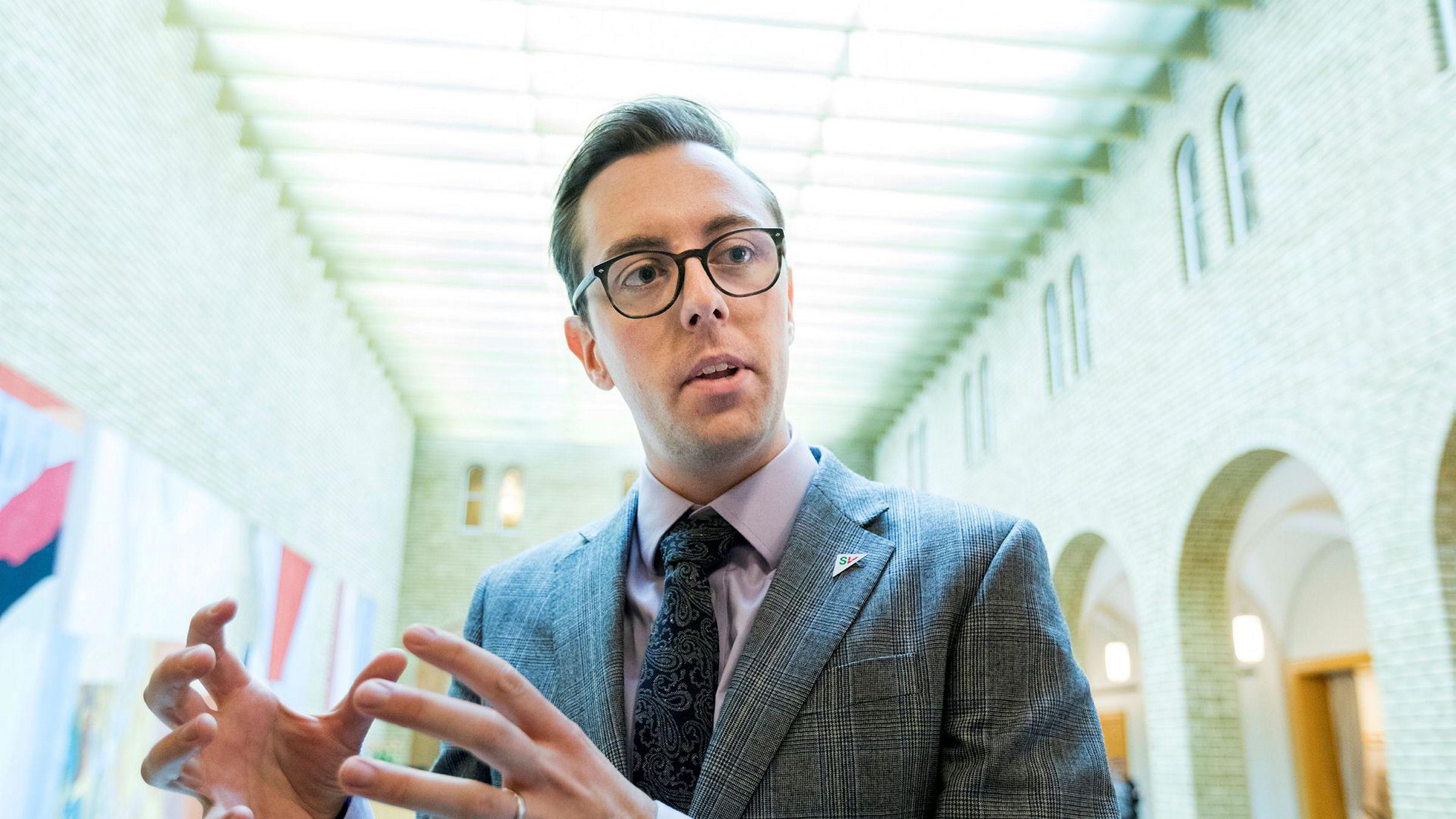 Nicholas Wilkinson (SV) var lenge sykmeldt og suspendert.