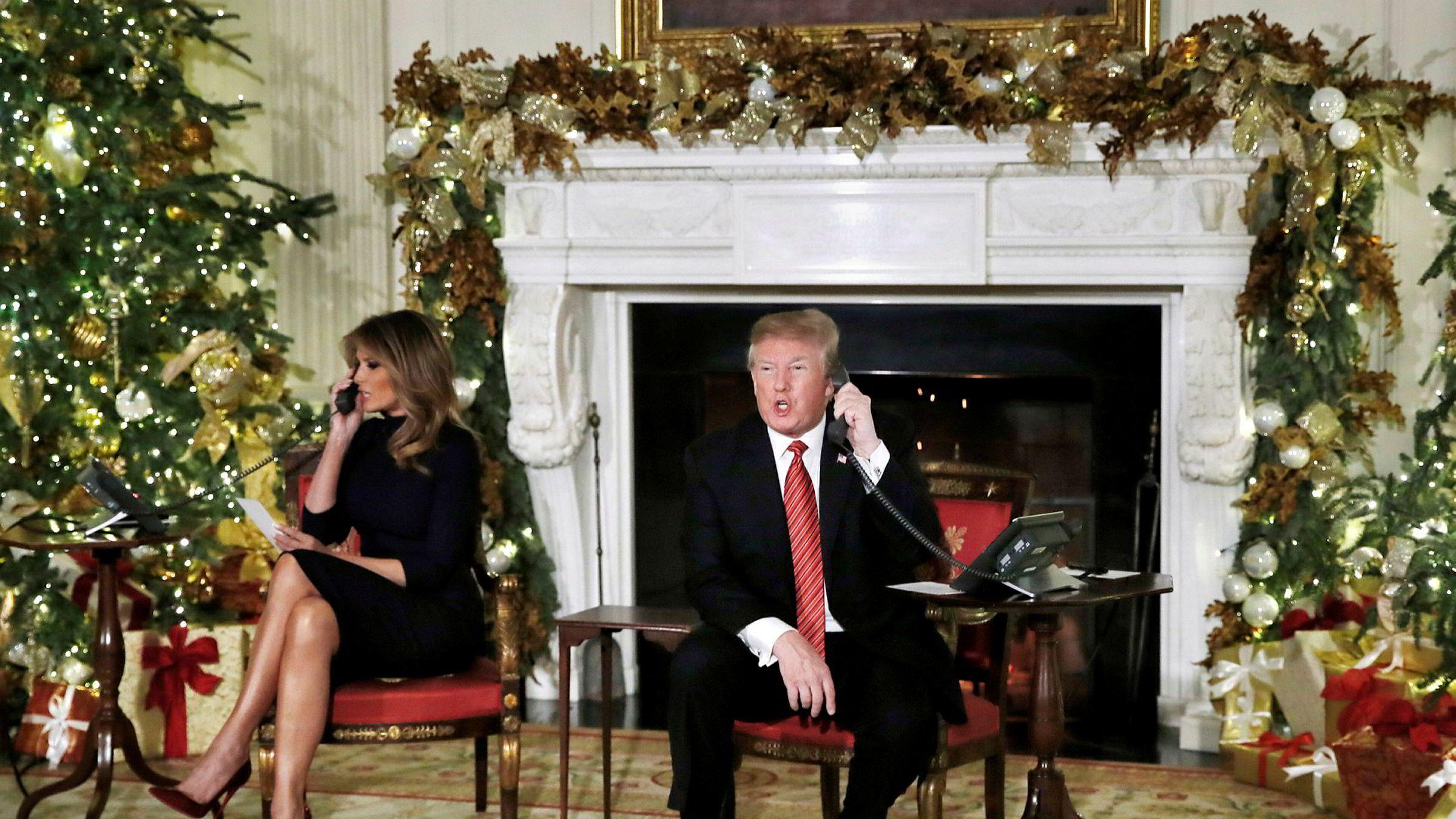 I julen i fjor fulgte president Donald Trump og førstedame Melania Trump julenissens ferd rundt jorden og tok telefoner fra amerikanske barn. I år fryktes det at Trump kan gjøre som «Grinchen» og frata internasjonale markeder julefreden hvis handelskrigen med Kina eskaleres.