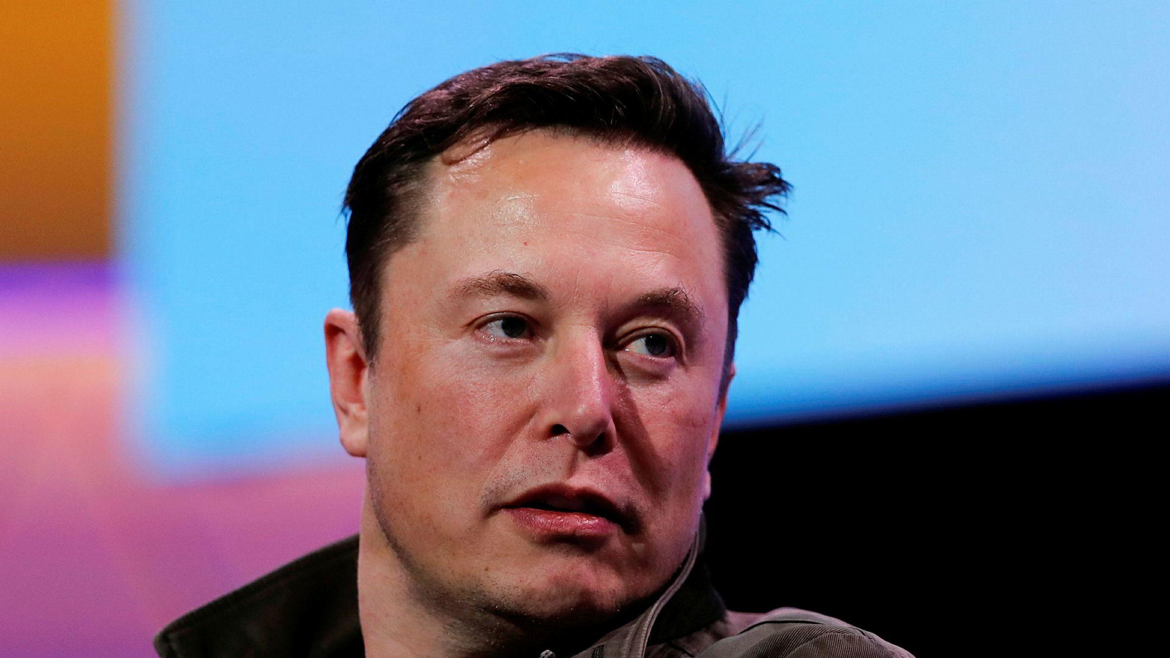 Tesla-sjef Elon Musk er saksøkt av grottedykker, og skal vitne i skaen tirsdag neste uke.
