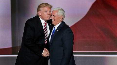 President Donald Trump sier han vil beholde Mike Pence som visepresident hvis han vinner valget neste år.