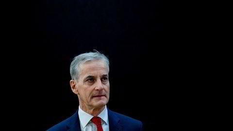 Ap-leder Jonas Gahr Støre sier staten skal ta over luftambulansen dersom han bli statsminister etter neste års valg.