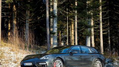 Sportsbilen Porsche Panamera er hovedgrunnen til det kraftige veksten hos importøren i fjor.