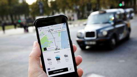 Uber setter sin bildelingstjeneste på pause for å bremse smittespredningen.