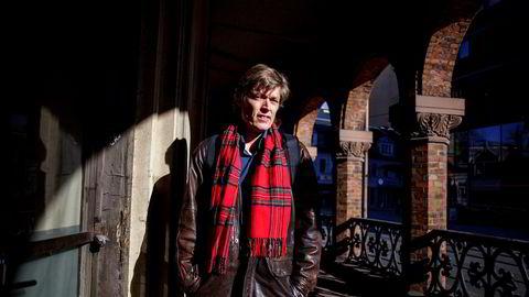 Styremedlem Jens Barland i Mentor Medier er fortvilet over at konsernstyret ikke klarte å løse konflikten mellom Vårt Land-redaktør Åshild Mathisen og konsernsjef og avisens styreleder Per Magne Tveiten.