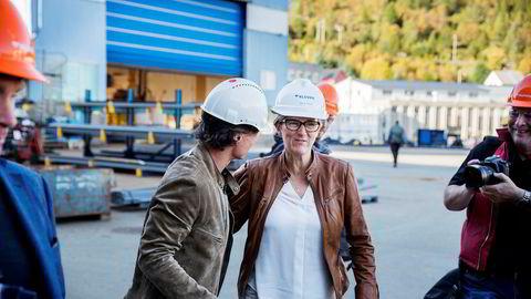 Styremedlem og medeier Kjersti Kleven i Kleven Verft har reddet driften ved hjelp av nye investorer og tror på overskudd neste år. Mandag kom Petter Stordalen på besøk for å møte de ansatte i Ulsteinvik.