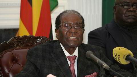 President Robert Mugabe, som søndag holdt en TV-sendt tale, ønsker foreløpig ikke å gi fra seg makten frivillig.