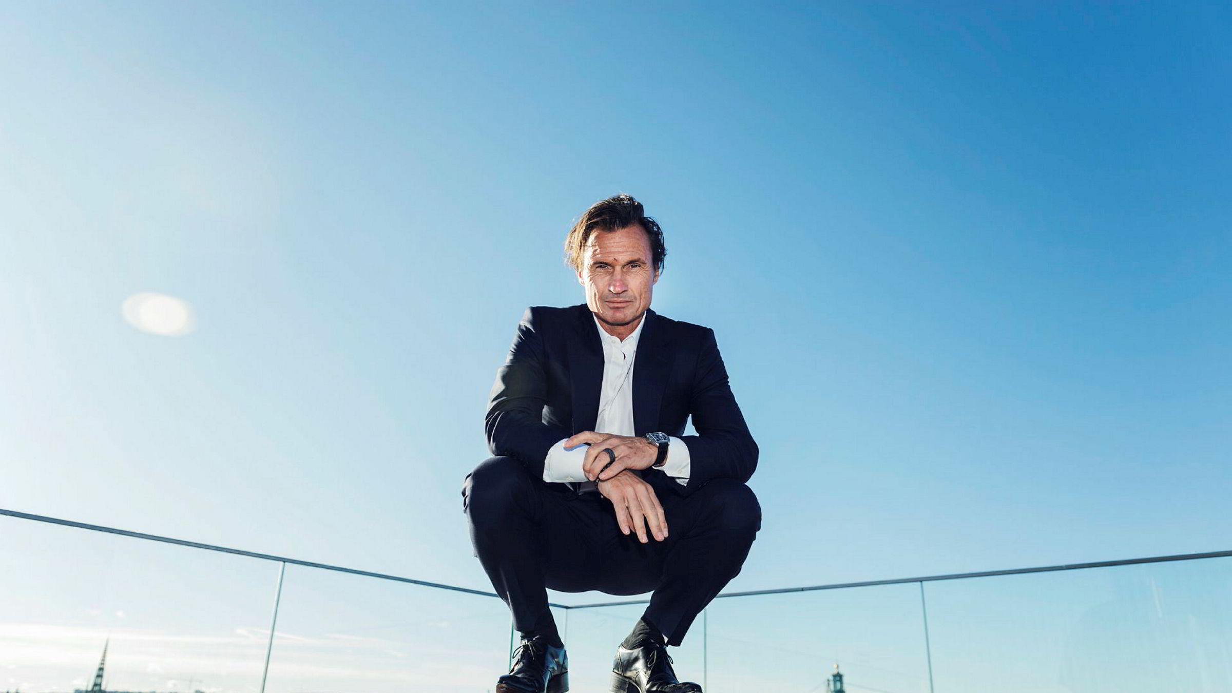 Petter Stordalen har overført 99,9 prosent av sine aksjer i Strawberry Holdning til selskaper eid av hans tre barn. Her fra et besøk i Stockholm i fjor sommer.
