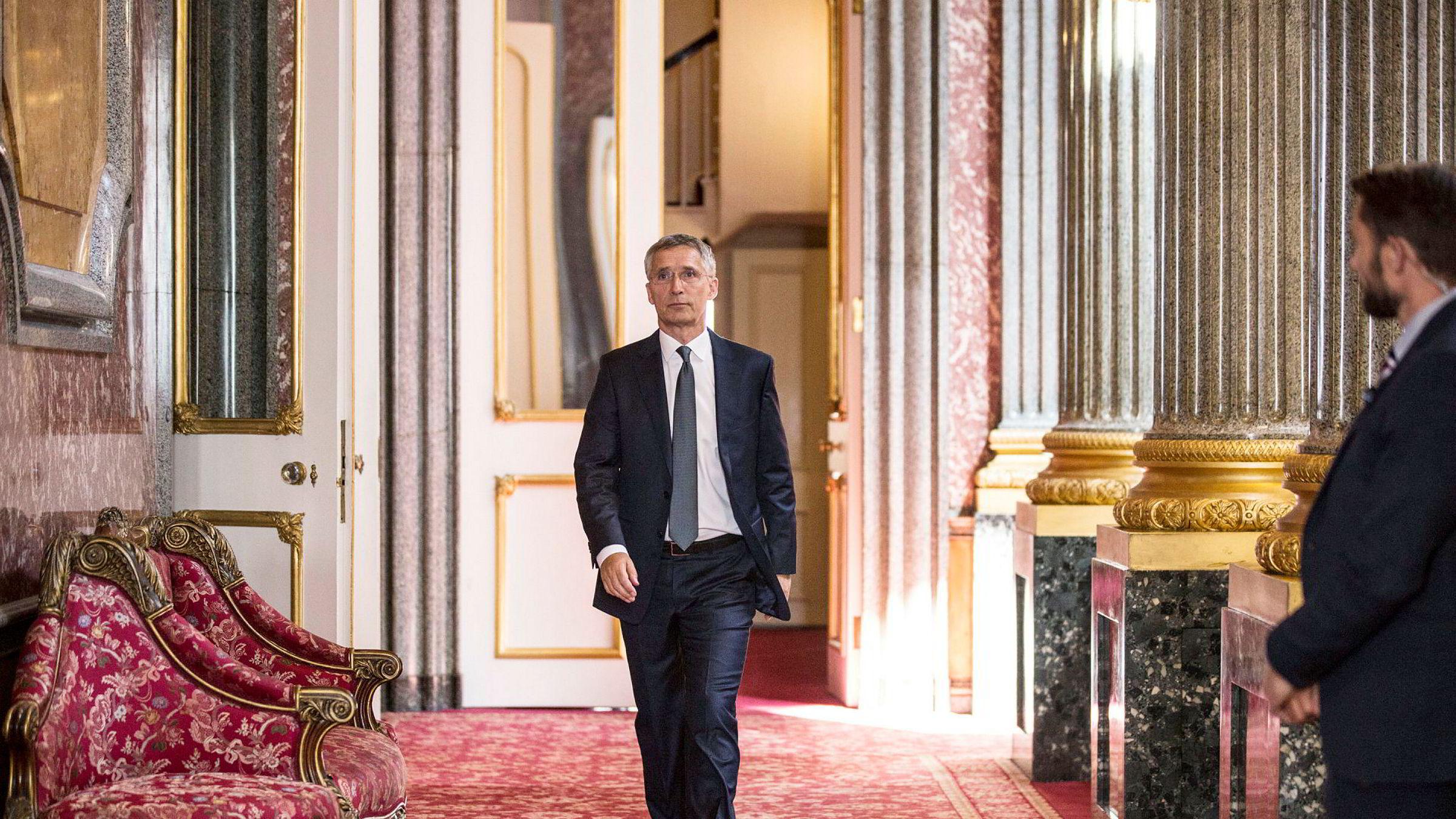 Nato-sjef Jens Stoltenberg sier at forsvarsalliansen også møter trusler fra innsiden.