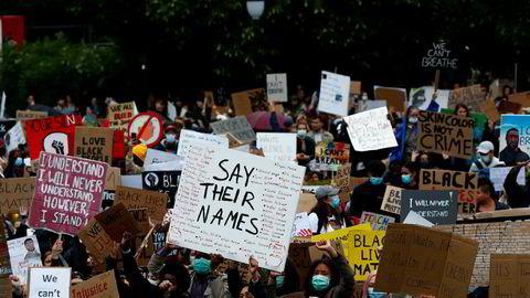 I helgen har det vært store demonstrasjoner over hele verden i protest mot dødsfallet til George Floyd.