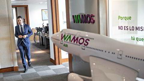 Toppsjef Enrique Saiz i det spanske flyselskapet Wamos Air leier ut store passasjerfly med mannskap til Norwegian for andre sommer på rad. Selskapets Boeing 747 leies ut til flyselskaper som har problemer med nye Dreamliner-fly.
