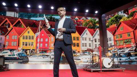 Byrådsleder Roger Valhammer i Bergen tar med seg byrådet og går av.
