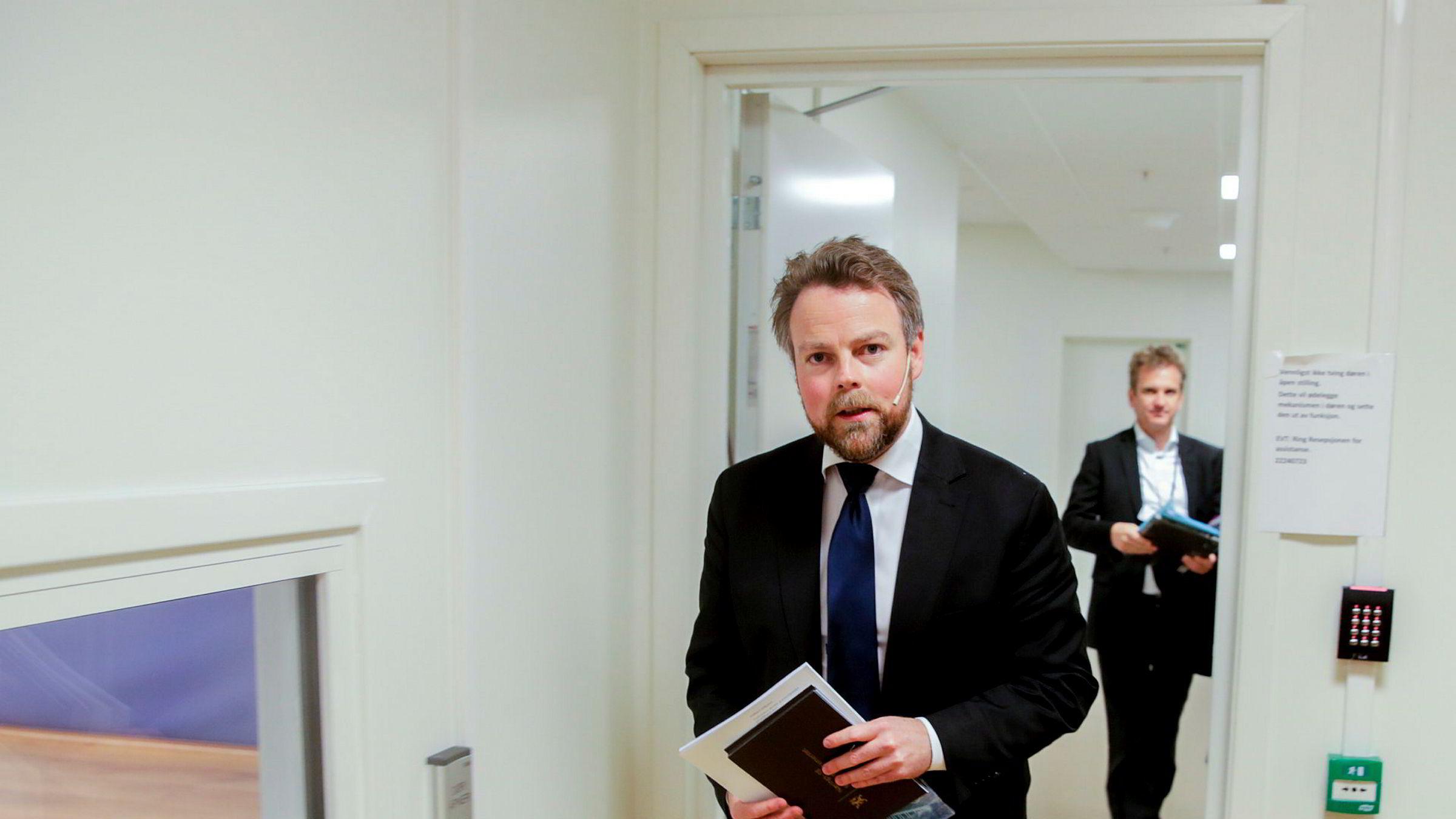 Næringsminister Torbjørn Røe Isaksen legger frem regjeringens nye eierskapsmelding.