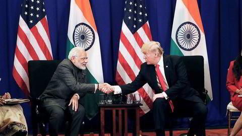 India vil spille en nøkkelrolle i den nye amerikanske Asia-politikken. Her er USAs president Donald Trump med Indias statsminister Narendra Modi under et toppmøte i Manila denne uken.