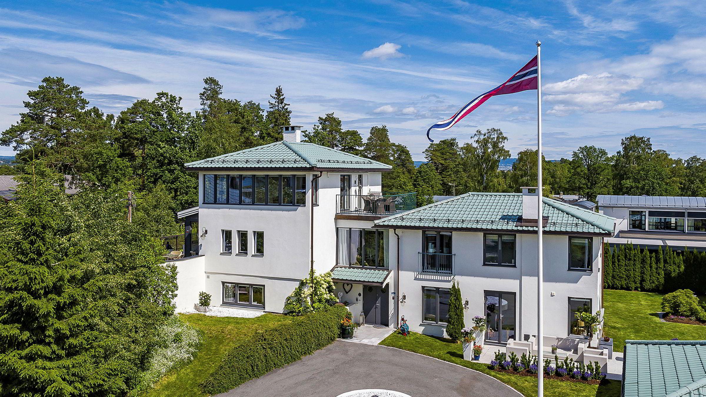 Hundsundveien 25 på Snarøya ble solgt for 28 millioner kroner. Foto: Sem & Johnsen