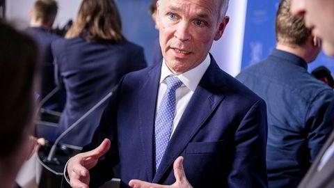 Finansminister Jan Tore Sanner (H) kom fredag med ny informasjon til Stortinget om regjeringens koronatiltak.