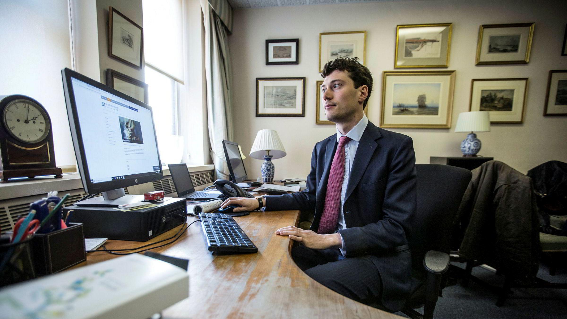Will Korner i Art Loss Register i London sier at kun ett norsk auksjonshus – Blomqvist – er en del av kundemassen til selskapet, som omfatter rundt 120 auksjonshus over hele verden.