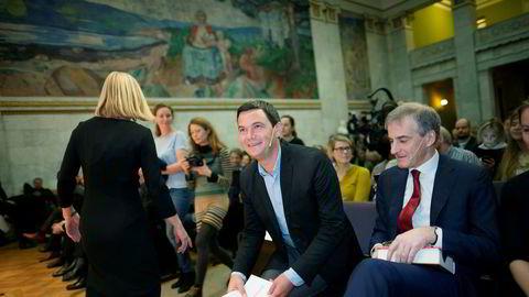 Thomas Piketty kaller sin visjon «deltagende sosialisme», som bygger på en rotasjon av eiendomsrett, skriver Ole Gjems-Onstad om den franske økonomens nye bok. Her er Thomas Piketty i Universitetets aula i Oslo da han i 2014 holdt foredrag der, med Jonas Gahr Støre som en av tilhørerne.
