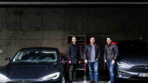 Gründerne Steffen Mølgaard, Kjetil Næsje og Jonas Helmikstøl i selskapet Easee solgte elbilladere for nesten 100 millioner kroner i fjor.