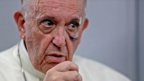 Paven viser til ekspertene som mener at den globale oppvarmingen i hovedsak er menneskeskapt, og påpeker at forskernes råd ikke er «meninger tatt fra løse luften».