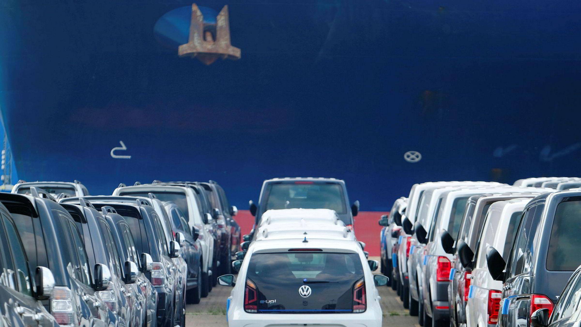 Volkswagen-biler på vei ut til verden fra Bremerhaven nord i Tyskland. Stadig flere av disse er nå elektriske.
