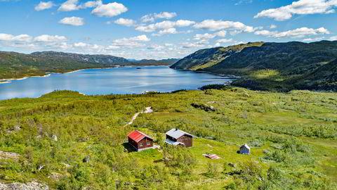 Ivar og Nick Walter Tollefsen har punget ut 33 millioner kroner for et 39.000 mål stort jaktparadis i Vinje kommune i Telemark.