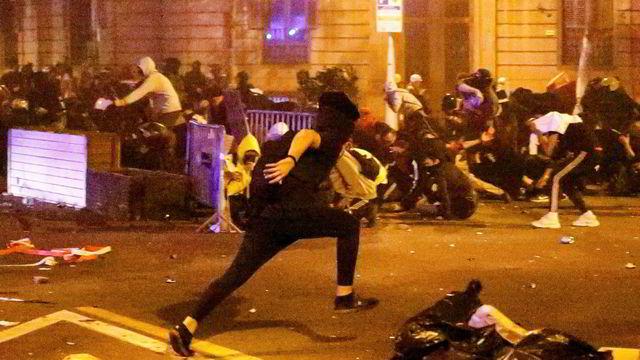 Voldsomme demonstrasjoner i Barcelona fjerde dag på rad