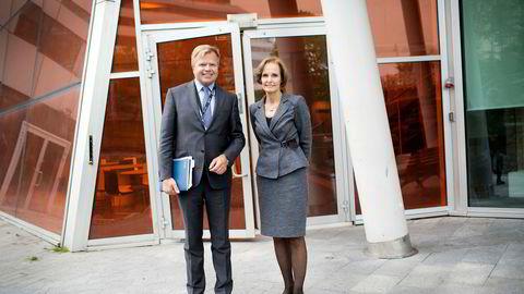 NHSTs konsernsjef Gunnar Bjørkavåg og styreleder og deleier i NHST Media Group, Anette Olsen.