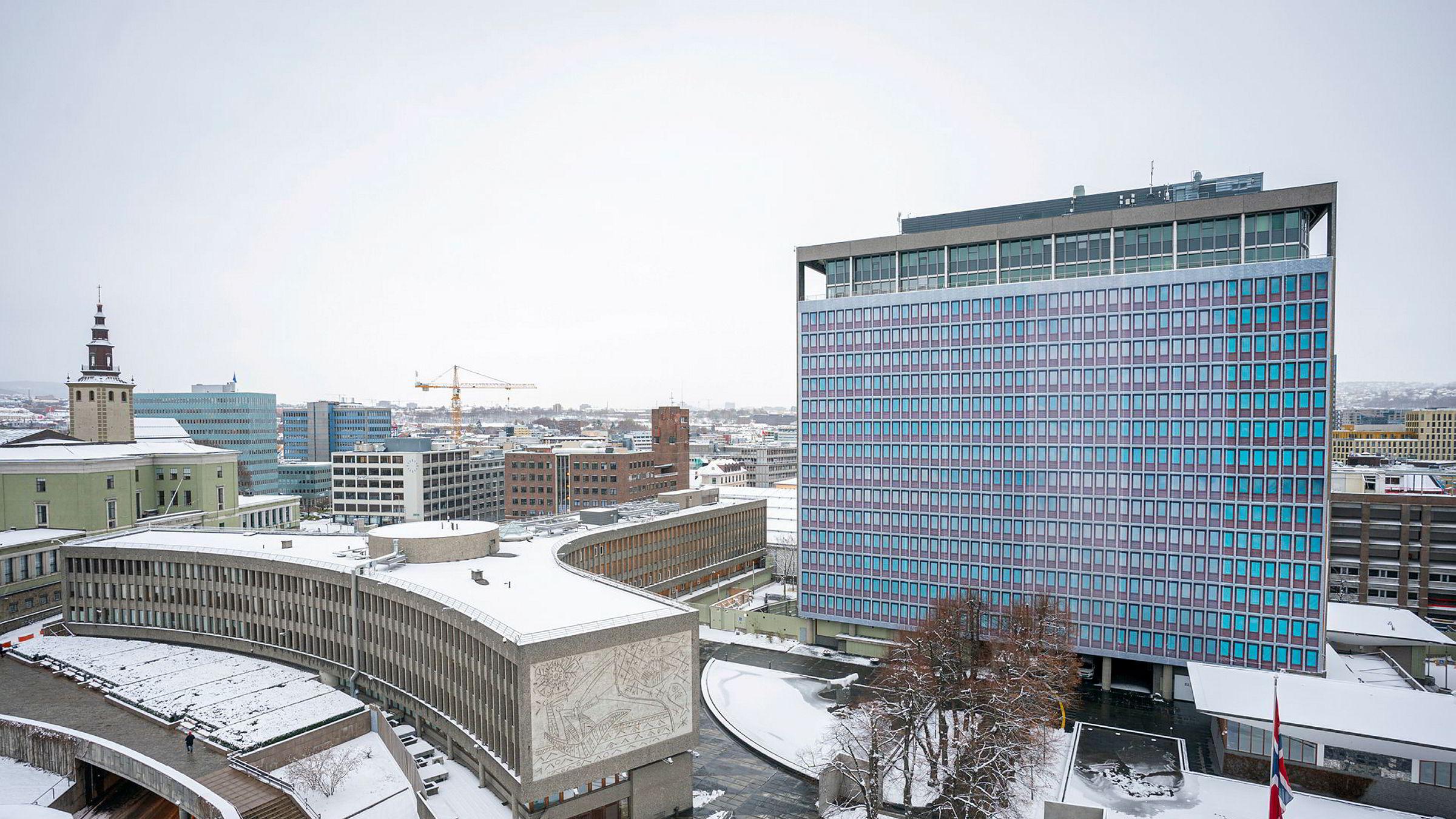 Fylkesmannen i Oslo og Viken har godkjent vedtaket om riving av Y-blokken, og regjeringen vil ikke vurdere saken på nytt.