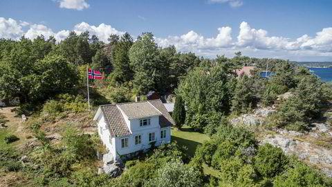 Prisantydningen for denne hytta på Arøy utenfor Kragerø var 1,9 millioner kroner. Et døgn etter visning var den solgt for 2,85 millioner.