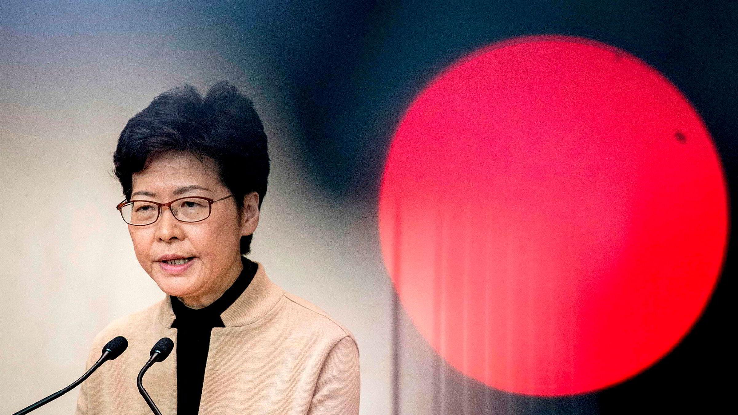 Hongkongs øverste leder Carrie Lam sier lokalvalget viser en misnøye med byregjeringen