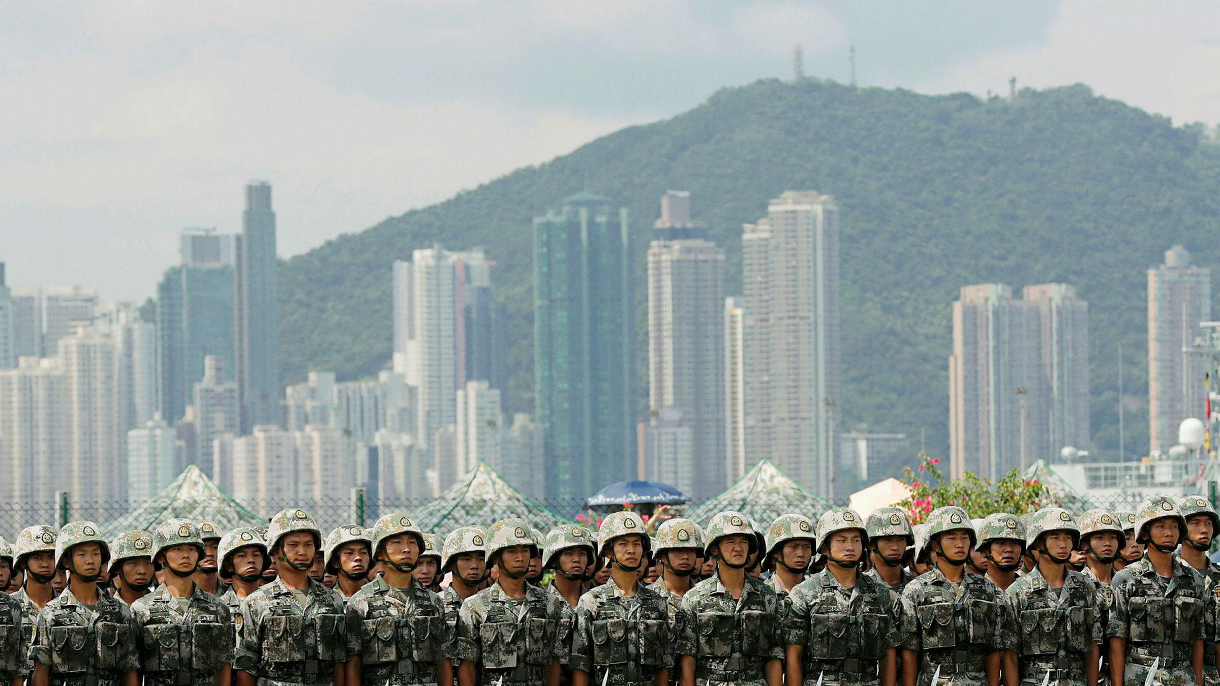 Donald Trump mener det er hans fortjeneste at disse soldatene ikke har utradert demonstrantene i Hongkong.