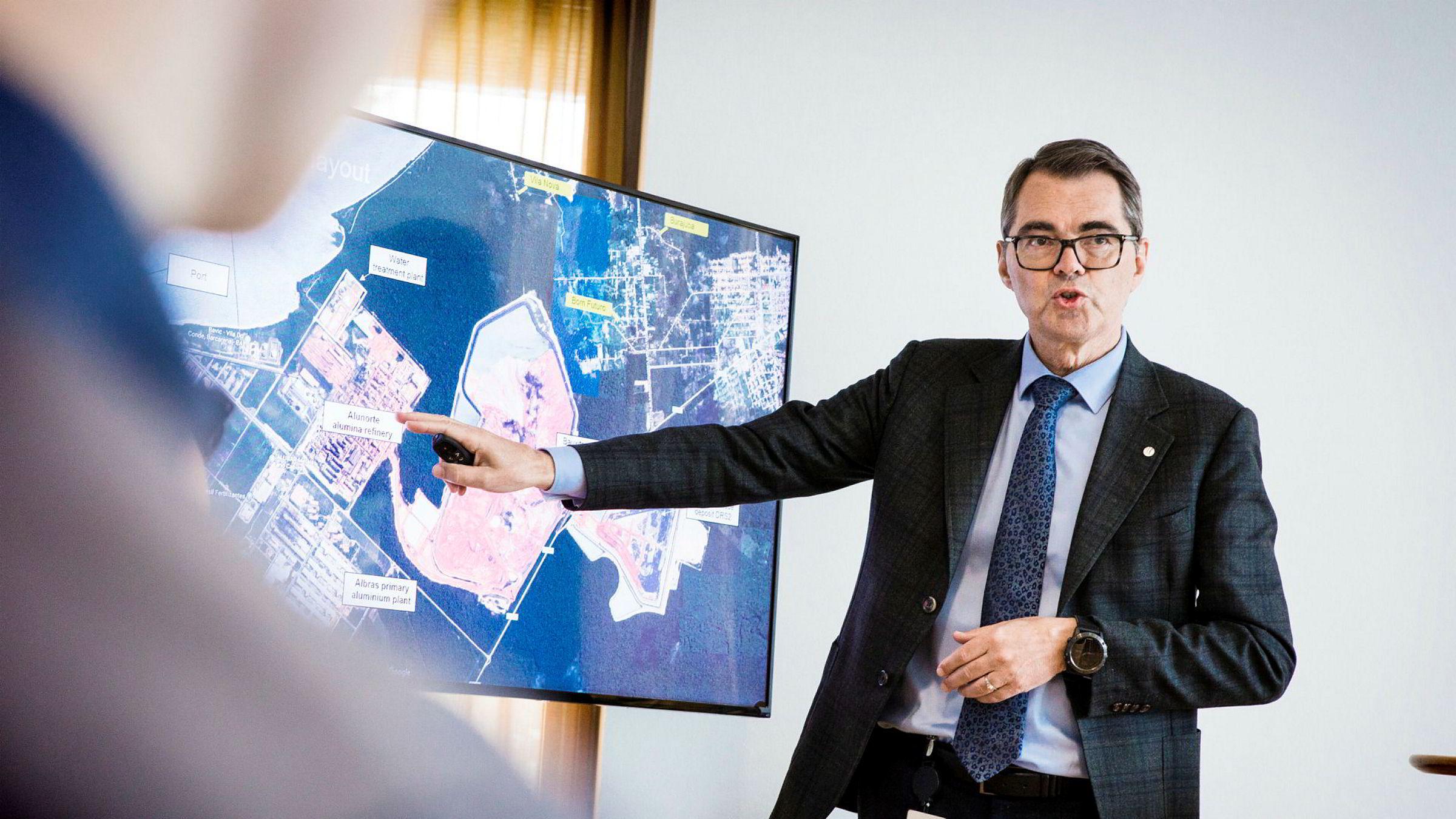 Hydro-sjef Svein Richard Brandtzæg redegjør for Alunorte-krisen forrige torsdag.