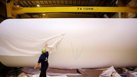 Det børsnoterte konsernet Norske Skogindustrier ASA er konkurs. Driften ved papirfabrikkene, blant annet ved Saugbrugs i Halden, fortsetter som normalt.