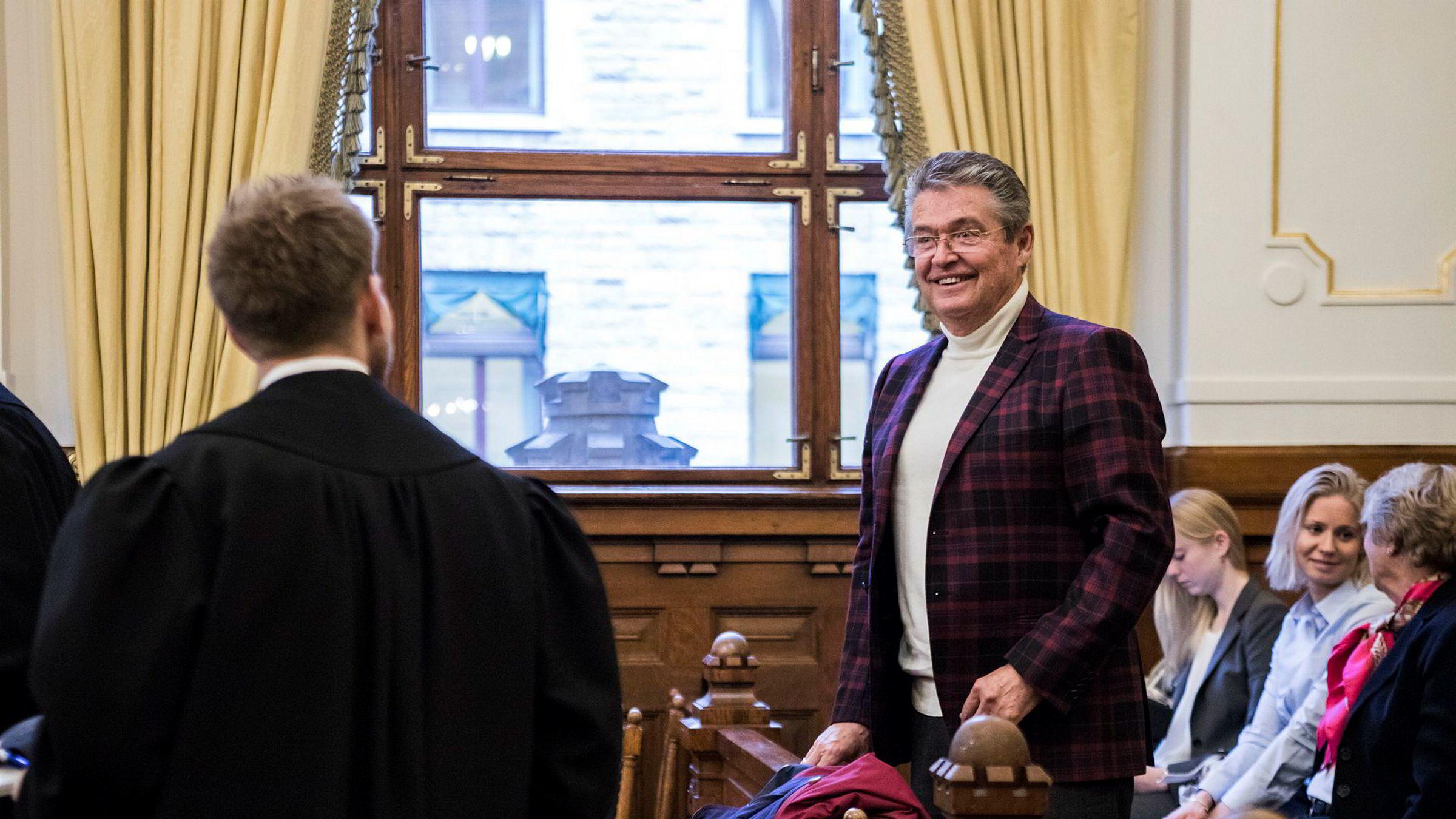 Eier og styreleder Remo Caprino i Caprino Filmcenter har tapt millioner på rettssaken som endte med tap i høyesterett i november i fjor. Nå varsler selskapet nye runder i retten.