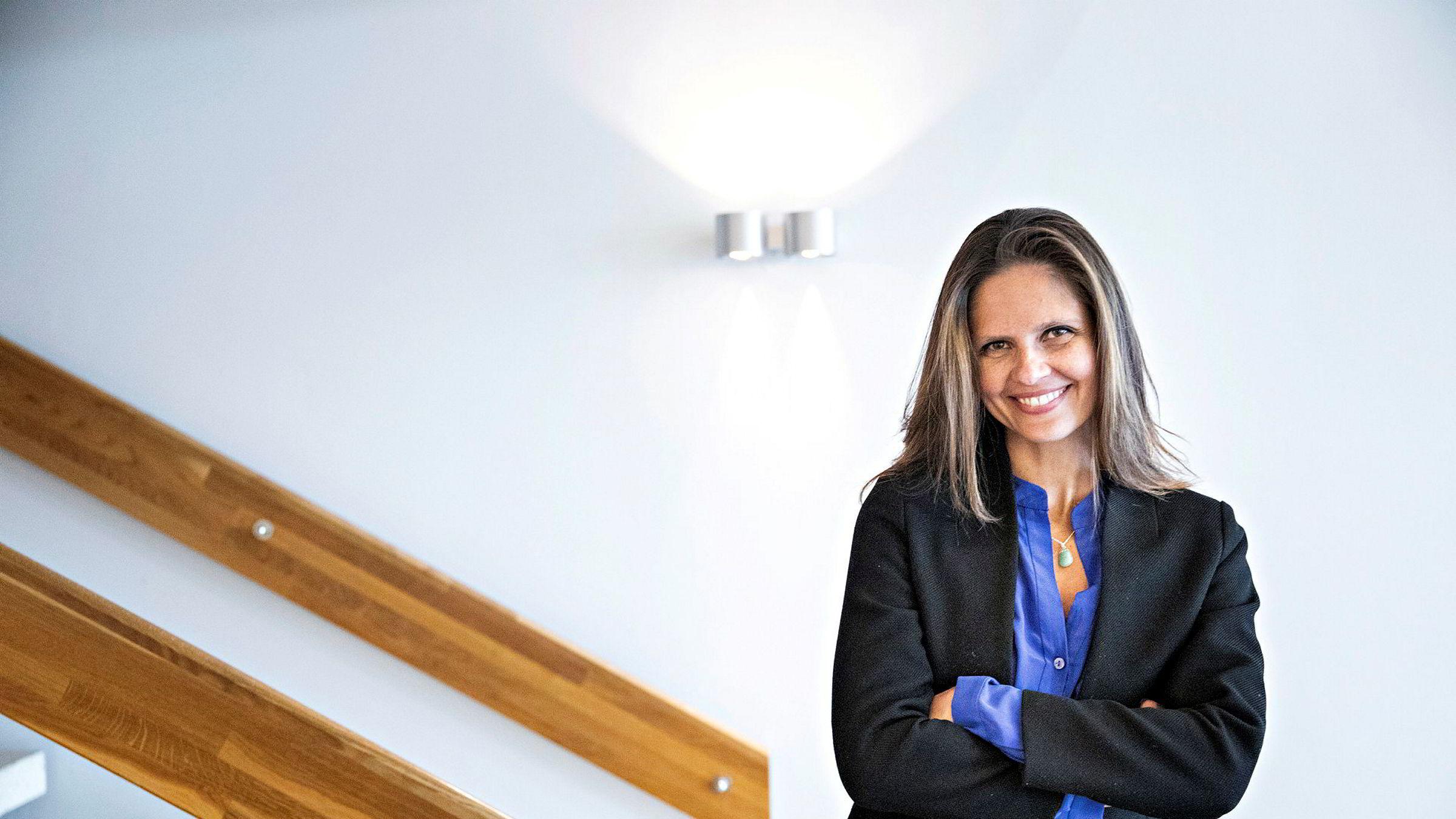 Oljeanalytiker Nadia Martin Wiggen i Pareto Securities mener fredagens oljeprisfall kan se mer dramatisk ut enn det egentlig er.