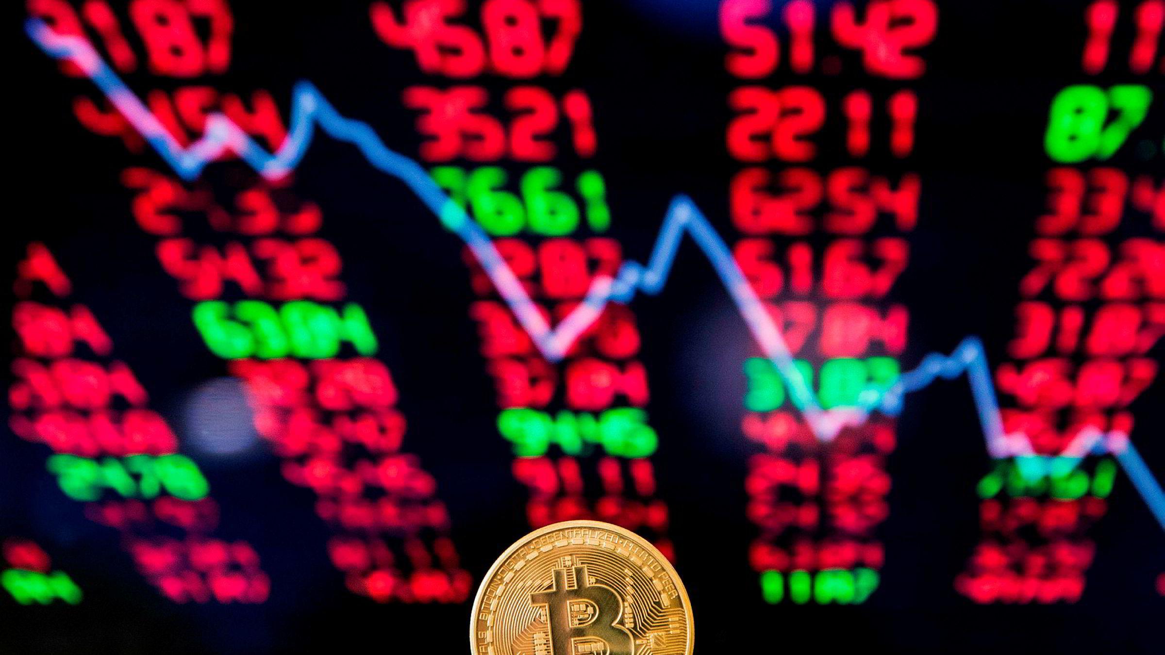 Bitcoin har falt 10 prosent siden søndag.