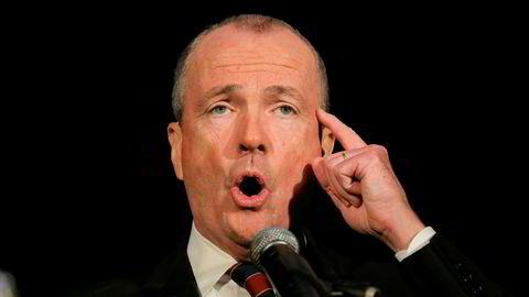 Demokraten Phil Murphy er ny guvernør i New Jersey. På bildet holder han en tale i Asbury Park etter at valgresultatet er klart.