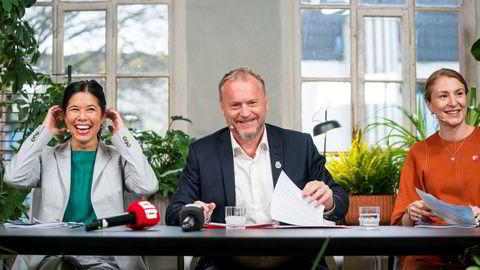 Lan Marie Berg fra Miljøpartiet de Grønne, Raymond Johansen fra Arbeiderpartiet og Sunniva Holmås Eidsvoll fra Sosialistisk Venstreparti under pressekonferansen om byrådsforhandlingene i Oslo.