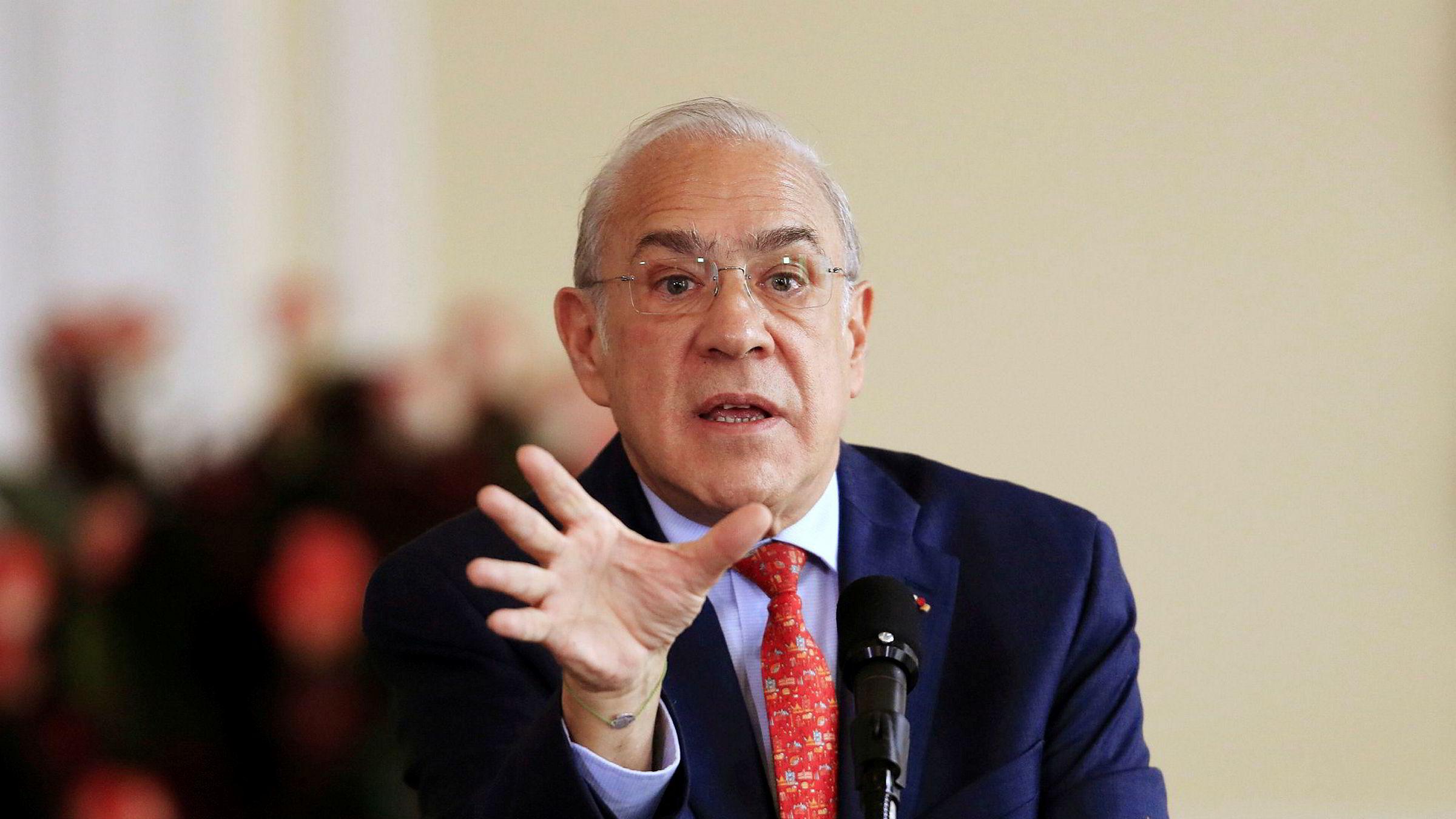 Angel Gurría er generalsekretær i de rike landenes samarbeidsorganisasjon, OECD. Han advarer om at selskapene har rekordhøy gjeld.