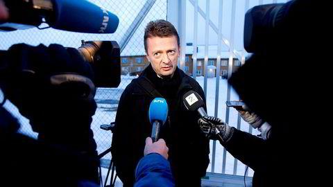 Bergs norske advokat Brynjulf Risnes – som igjen har sine opplysninger fra den russiske advokaten Ilja Novikov – sier til VG at Berg føler seg lurt i en felle, skriver DNs leder. Her Risnes under intervju på Trandum i 2011.