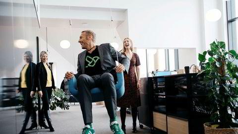 Administrerende direktør i Nysnø Siri Kalvig (til venstre) håper å få fart på Thorsten Heller i selskapet Greenbird. 700 millioner fra næringsminister Iselin Nybø skal bidra til nye investeringer.