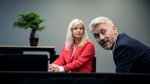 Nyhetsredaktør Karianne Solbrække og TV 2-sjef Olav Sandnes svarte på spørsmål fra de ansatte i nyhetsredaksjonen i Bergen mandag.