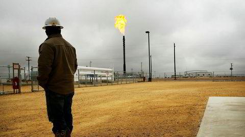 Texas holder pusten før uværet Harvey er ventet å treffe før helgen. Det kan få konsekvenser for oljeproduksjonen.