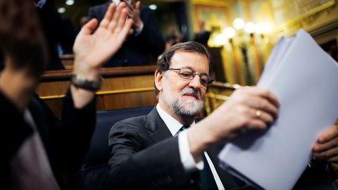 Det kan gå mot slutten for Mariano Rajoy som statsminister i Spania. Med mindre den politiske ringreven har noe på lur i siste liten.